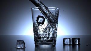 eau froide pour enlever une tache de sang